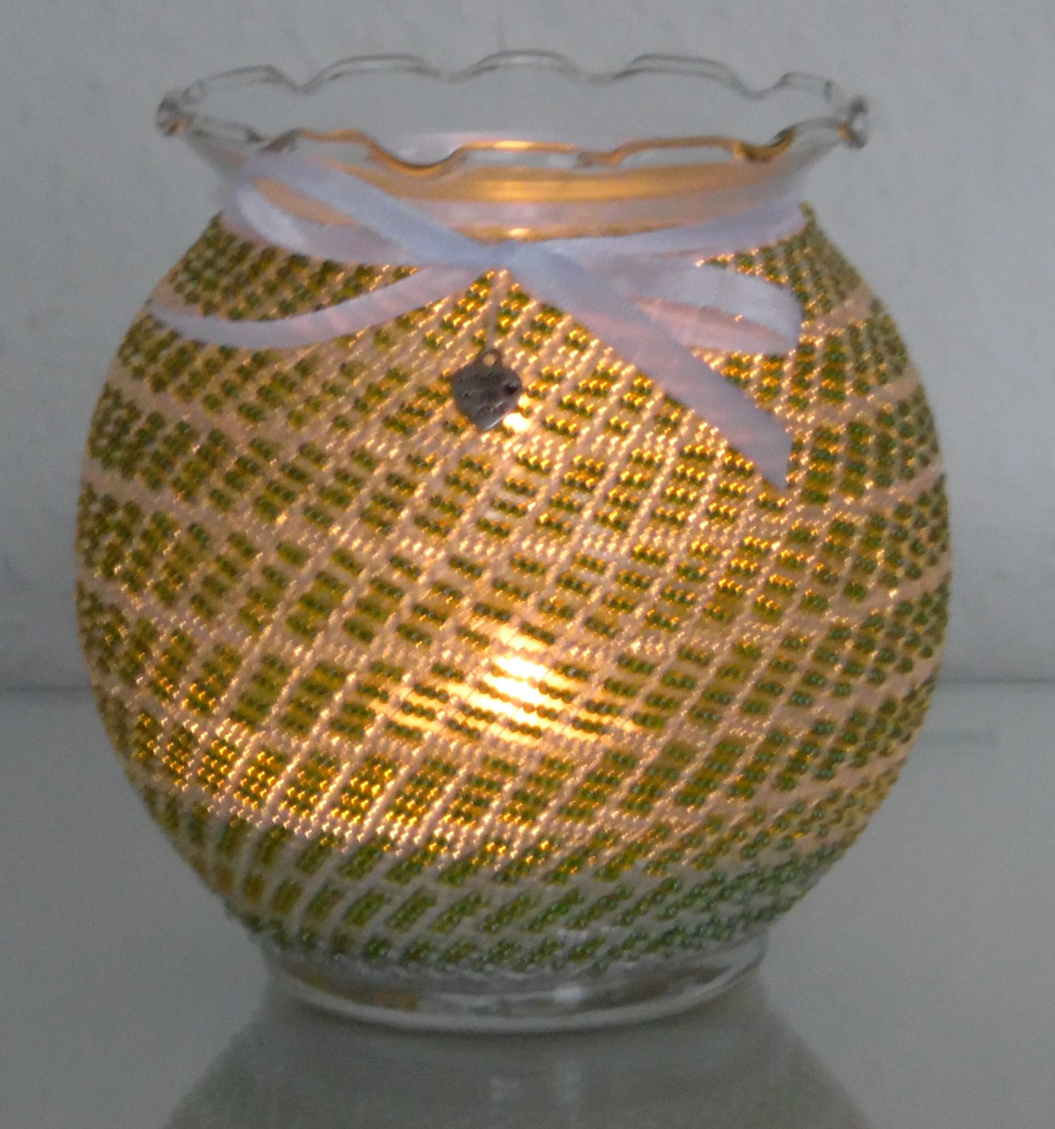 83bccc5f-c20d-0630-67bf-82ac8b44f18e Schöne Kerze Leuchtet In Verschiedenen Farben Dekorationen